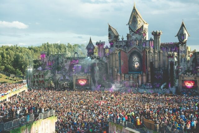 tomorrowland 2016 sells out