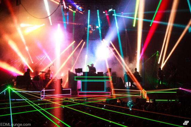pretty lights island of light